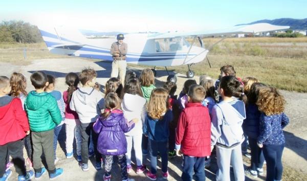 Εορτή της Αεροπορίας στην Αερολέσχη Αγρινίου με πολλές επισκέψεις σχολείων και μαθητών